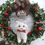 チンチラ猫のトピアリークリスマスリース