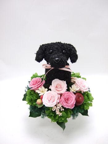 黒のラブラドールレトリバー犬のトピアリープリザーブドフラワーアレンジ