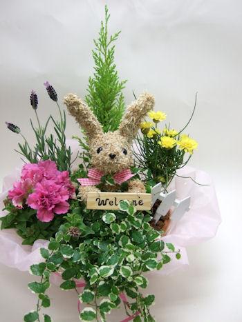 ウサギの水苔トピアリー寄せ植え